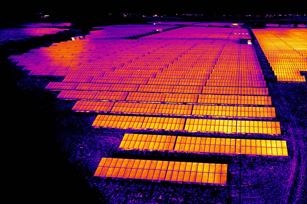 solar-photovoltaic-thermal-imaging